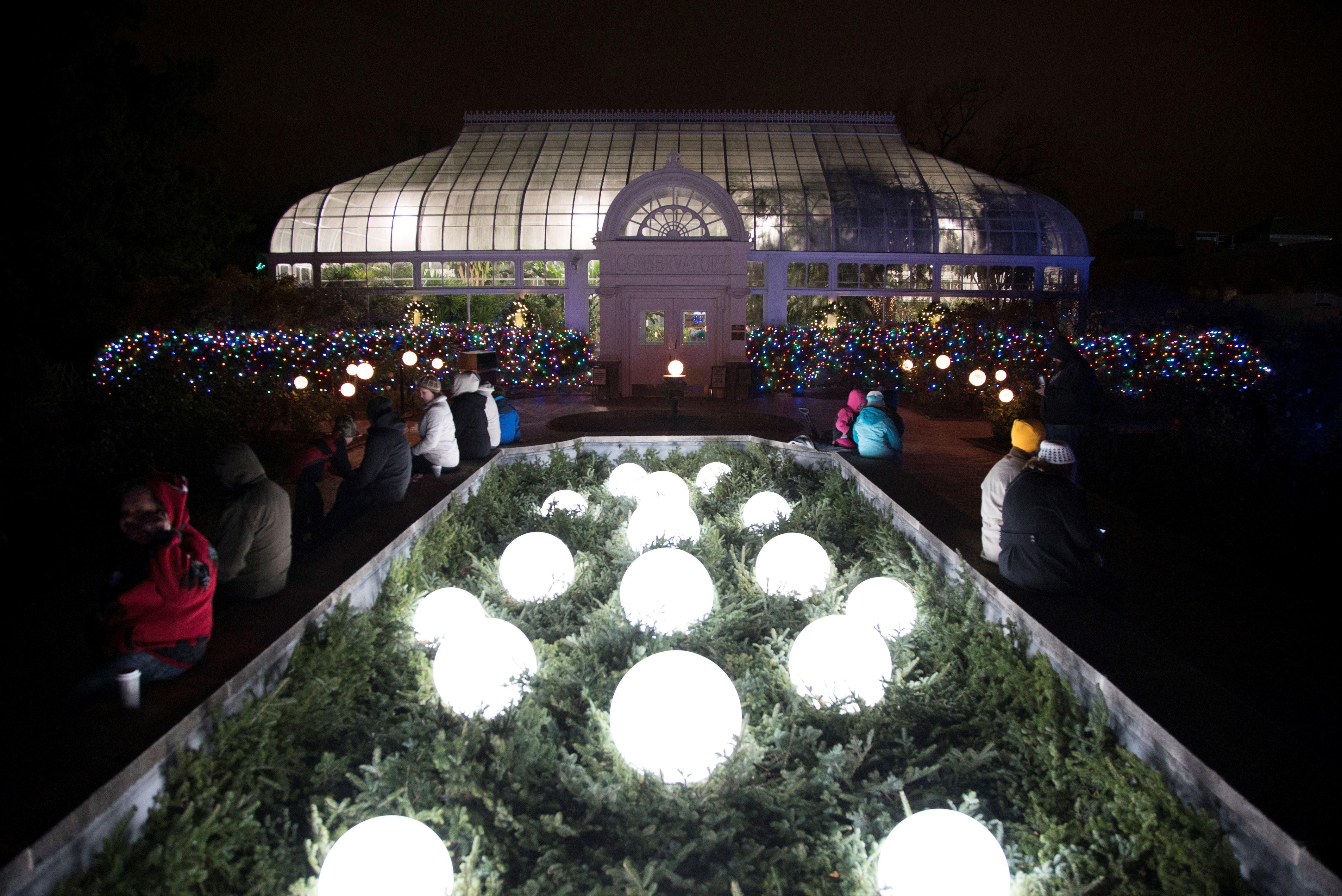 toledo zoo lights before christmas marks 30 years - Toledo Zoo Lights Before Christmas