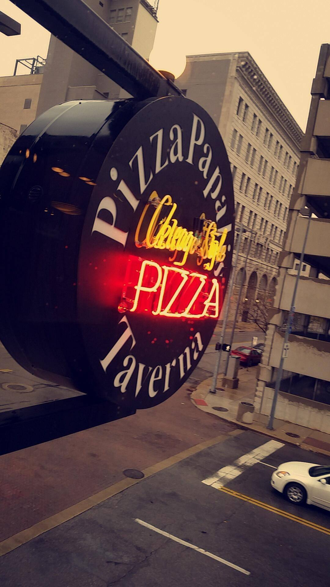 10.	Pizza Papalis – 519 Monroe St  Pizza Papalis offers authentic deep-dish Chicago Style Pizza. Drop in for a beer and a slice and you won't be disappointed.